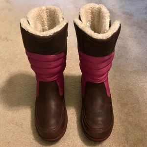 🍍NWOT Timberland brown/pink waterproof boots🍍